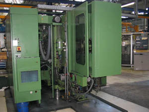 Used horizontal machining centre interior