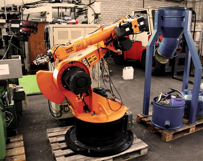 Robot kuka de segunda mano robots industriales kr a bajo for Robot limpiafondos piscina segunda mano